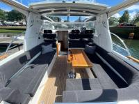 For sale Rinker 270 Fiesta Vee