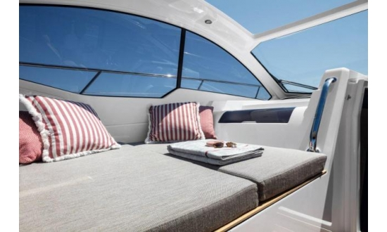 Fairline Forty image 3