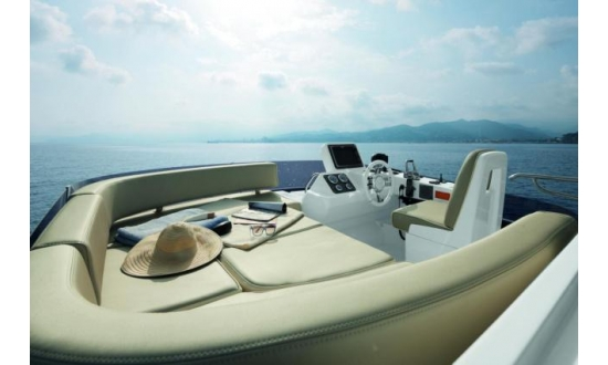 Arctic Blue 29 Sports RIB image 12