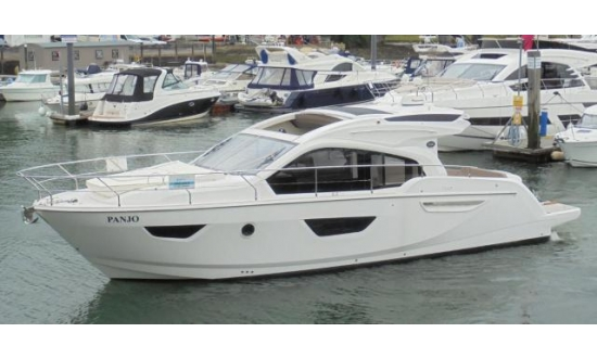 Sea Ray 240 Sundancer image 3