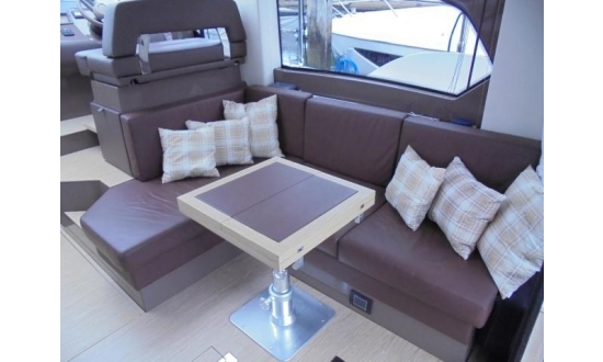 Sealine S43 with a berth in Antibes image 10