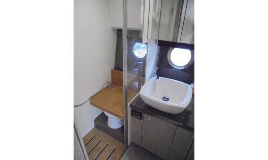Sealine S43 with a berth in Antibes image 4
