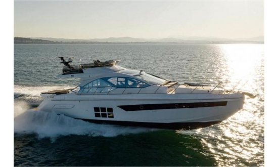 Sealine S43 with a berth in Antibes image 2