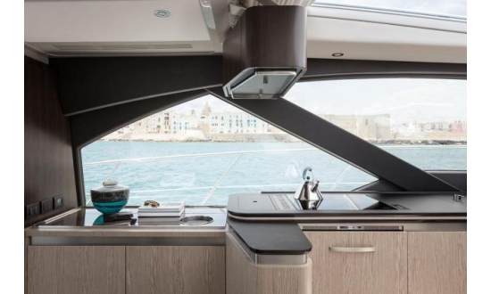 Sealine S43 with a berth in Antibes image 8